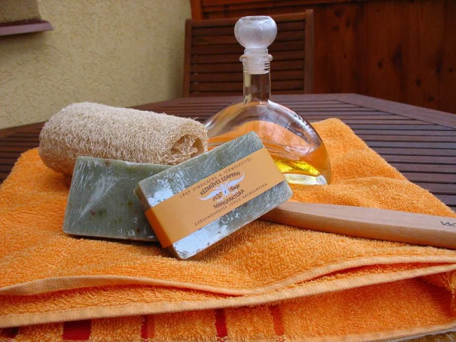 Akác gyógynövényes szappan