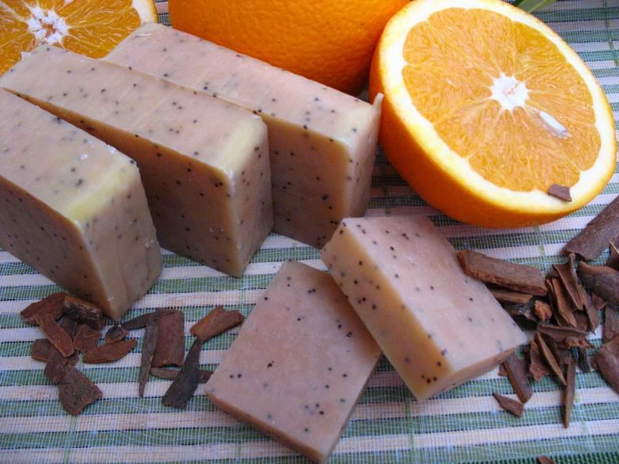 Fahéj-narancs-mákos gyógynövényes szappan